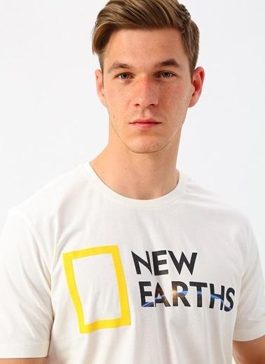 National Geographic Tişört Beyaz